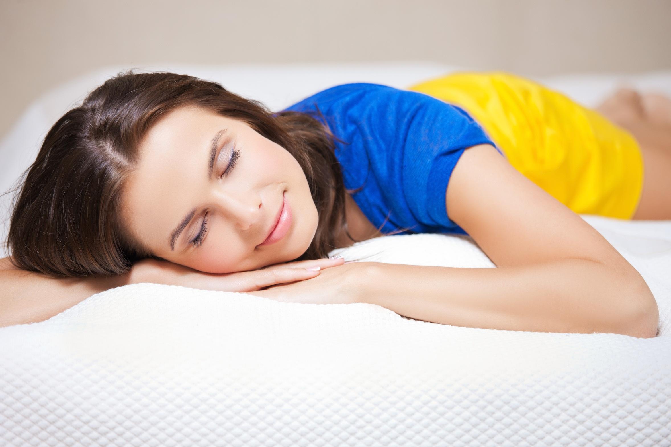 woman need more sleep